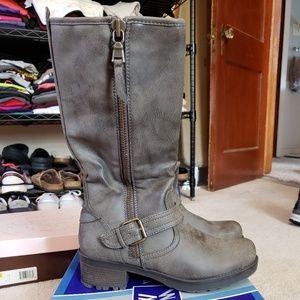 Women's grey boot